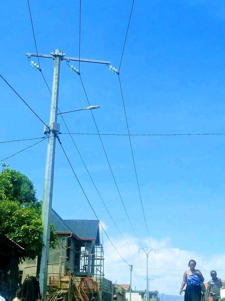 Goma : Le déficit électrique dans certains quartiers, une autre opportunité d'affaires pour les jeunes (Reportage)