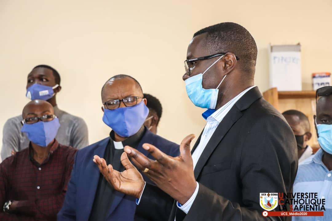Goma : Julien Paluku encourage les étudiants de l'Université Catholique La sapientia pour leurs inventions